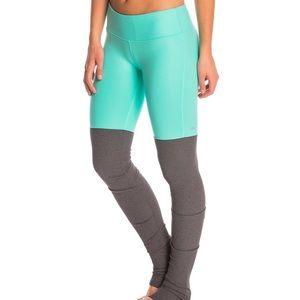 ALO Yoga - Goddess Leggings Green Glossy/Strmy Htr